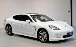 Film covering blanc brillant 3D. Variance Auto