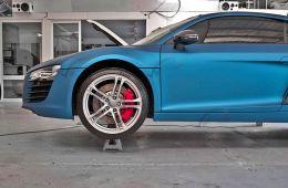 Film covering bleu mat 2D. Variance Auto