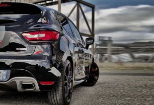 Clio 4rs : un changement radical. Variance Auto