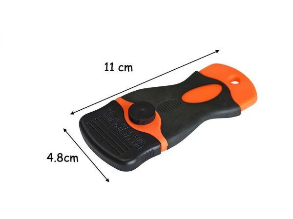 Grattoir ergonomique pour nettoyage des vitrages. Variance-auto