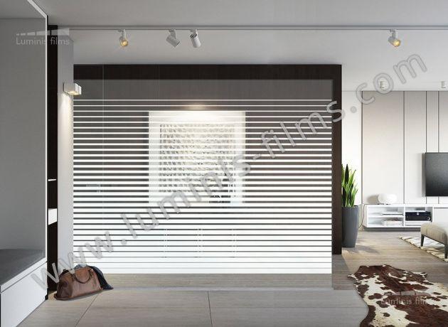 Film décoratif à bandes blanches dégradées. Luminis Films