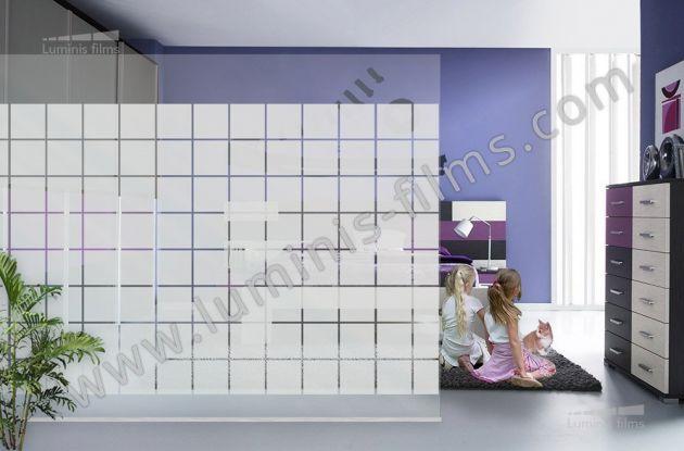 Film décoratif à larges carrés dépolis. Luminis-Films