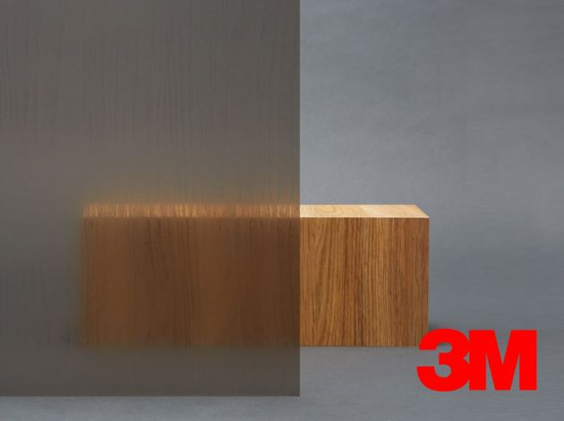 Film décoratif Fasara 3M à reliefs effet bois. Luminis Films