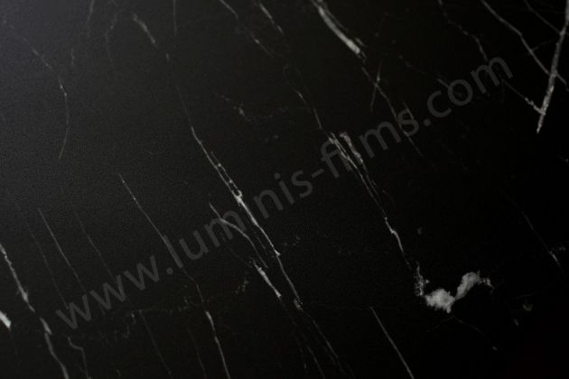 Revêtement adhésif marbre noir mat. Luminis Films