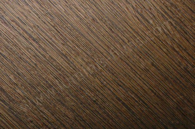 Revêtement adhésif aspect fibres dorés. Luminis Films