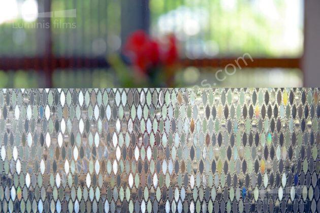 Film statique à losanges irisés. Luminis Films