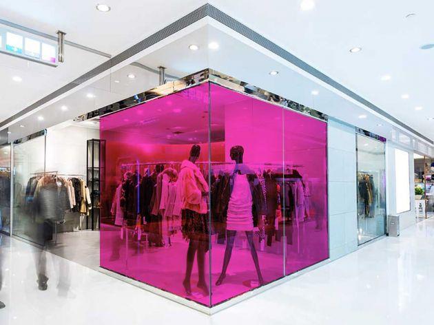 Film couleur rose framboise transparent pose extérieure. Luminis Films
