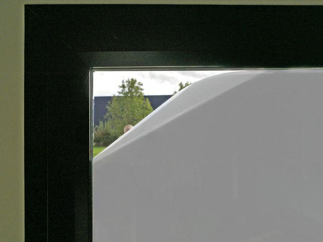Film opaque blanc avec effet miroir. Variance Auto