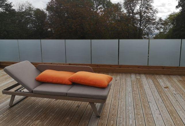 Une terrasse, en toute intimité avec un film anti regard. Luminis Films