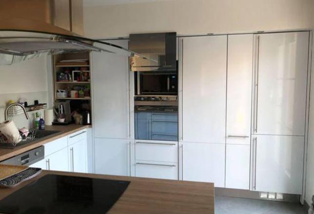 Une belle cuisine blanche et bois avec Luminis Films ! . Luminis Films