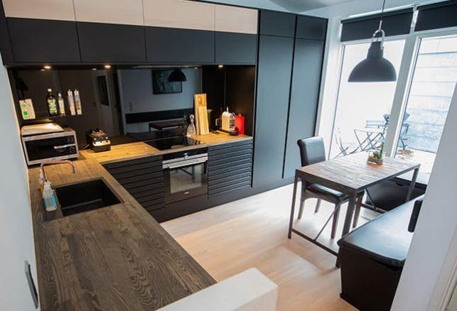 Comment réaliser ma cuisine bois et noir à moindre coût ?. Variance Auto