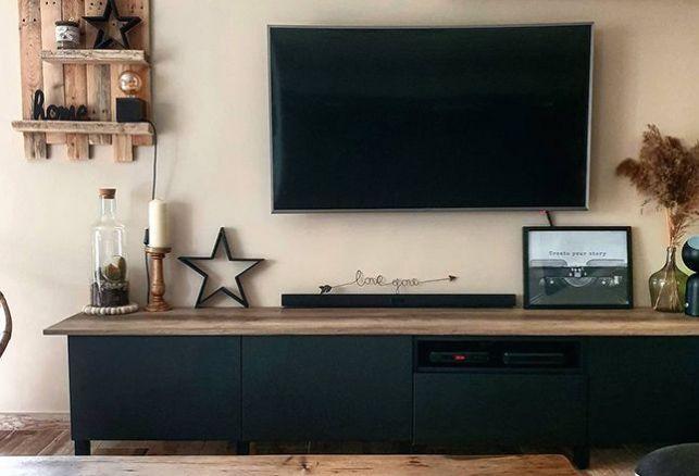 Du noir mat : l'allié parfait du bois. Luminis Films