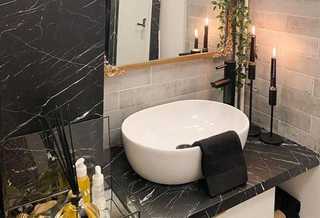 Une salle de bain en marbre exceptionnelle !. Luminis Films