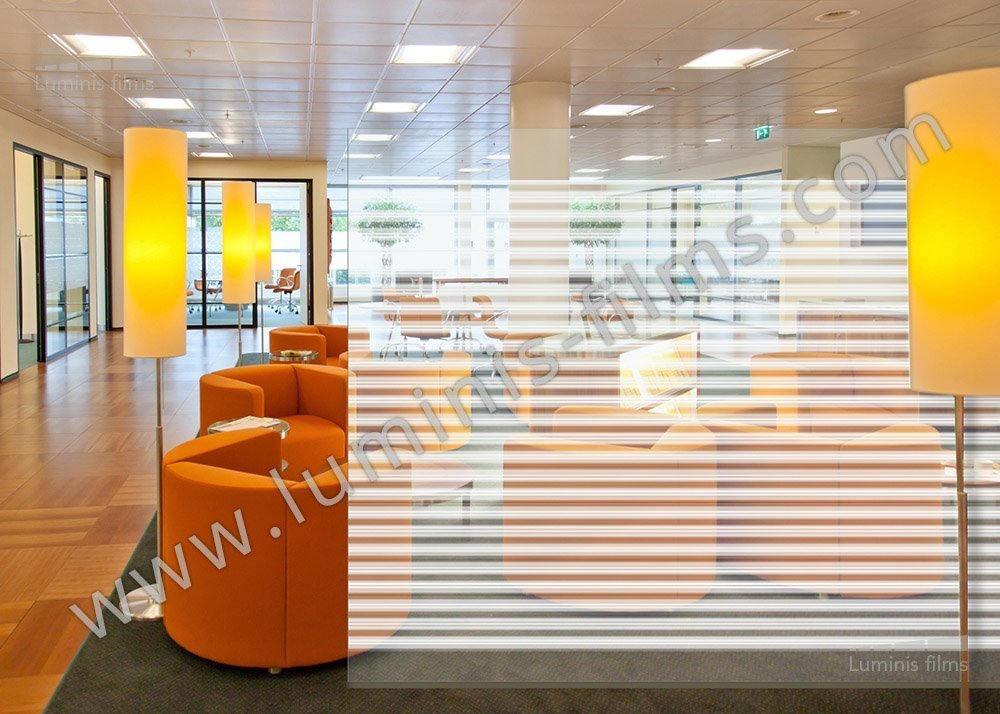 Film pour vitre d coratif avec des lignes r parties pour - Film adhesif decoratif pour meuble ...