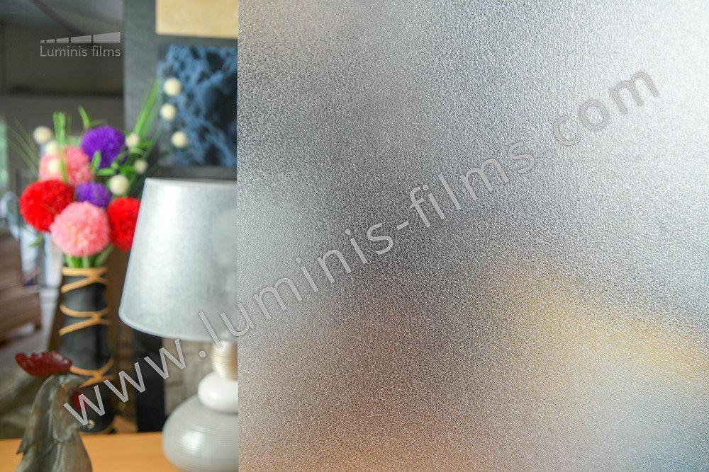 Film repositionnable effet verre sablé. Luminis-Films