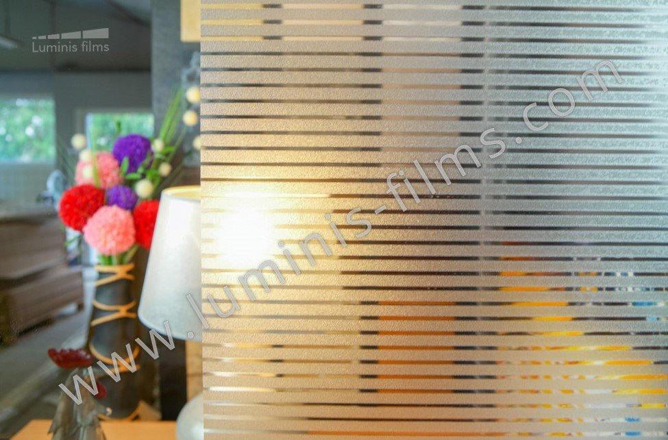Film repositionnable à bandes dépolies 1 cm . Luminis-Films