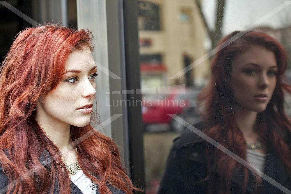 Film effet miroir sans tain neutre inox miroir 209x luminis films - Film miroir sans tain ...