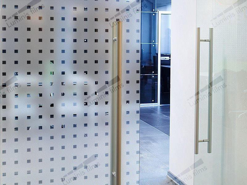 Film décoratif dépoli à carrés transparents - INT 470. Luminis-Films