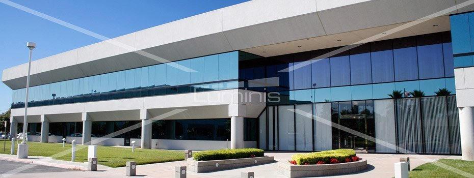 Film de protection solaire métallisé argent - GLASS-200x. Luminis-Films