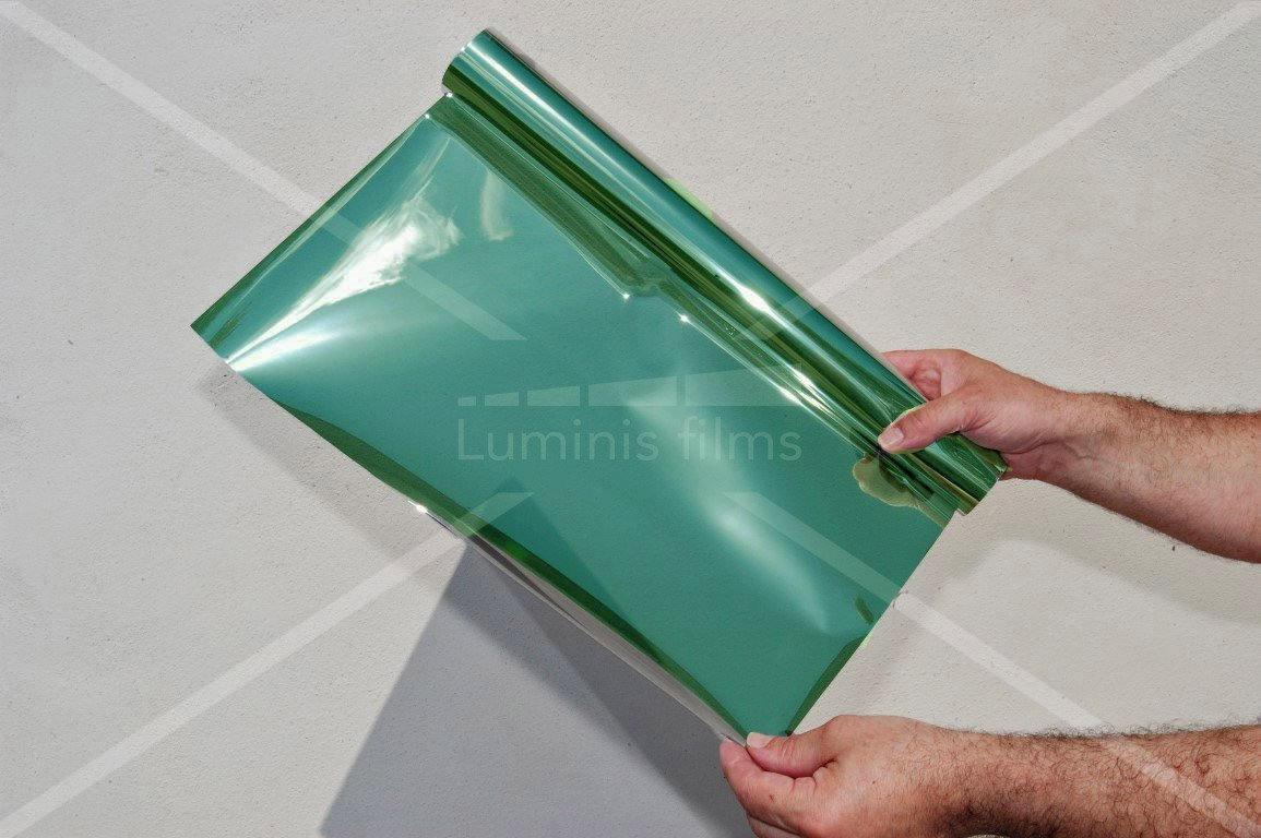 ce film anti chaleur vert permet de colorer vos surfaces vitr es tout en prot geant du soleil. Black Bedroom Furniture Sets. Home Design Ideas