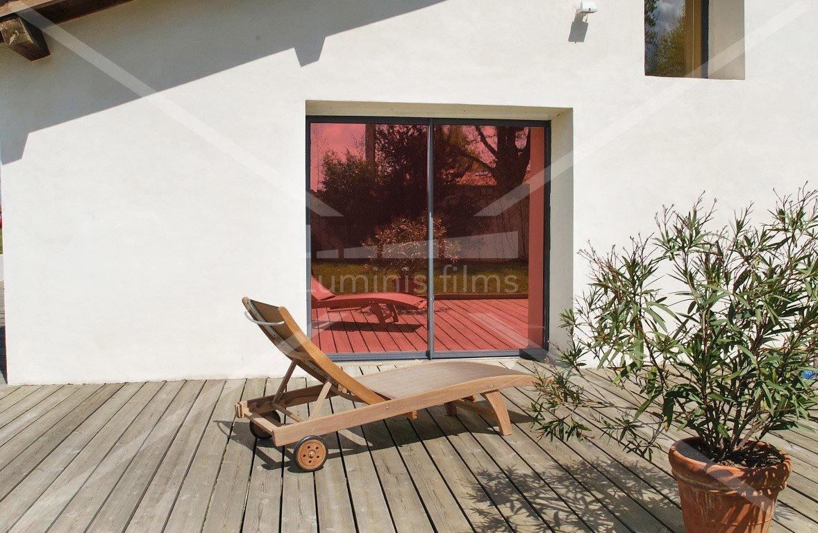 film miroir sans tain r fl chissant rouge miroir 105i luminis films. Black Bedroom Furniture Sets. Home Design Ideas