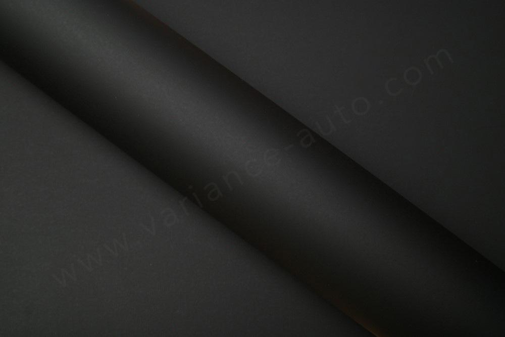 Film covering noir mat 3D. Variance Auto