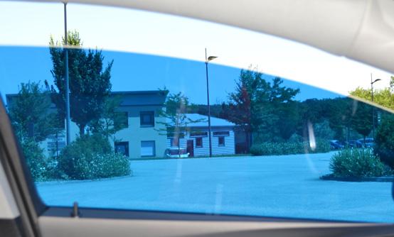 Film teinté tuning bleu lagon : vue intérieure. Variance Auto